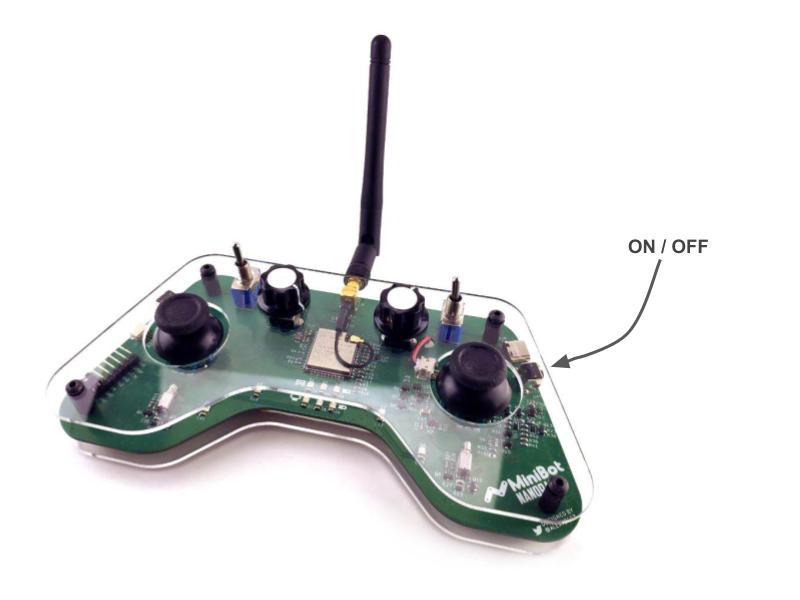 Кнопка включения пульта Nanopad находится справа